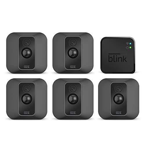 Blink XT2 - Smarte Sicherheitskamera | Für den Außen- und Innenbereich mit Cloud-Speicher, Zwei-Wege-Audio und 2-jähriger Batterielaufzeit | System mit fünf Kameras