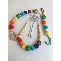 Conjunto de Collar de lactancia y porteo con juguete de dentición y chupetero a juego modelo Arcoiris