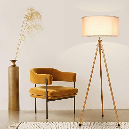 Stehlampe aus Holz im Skandi-Style