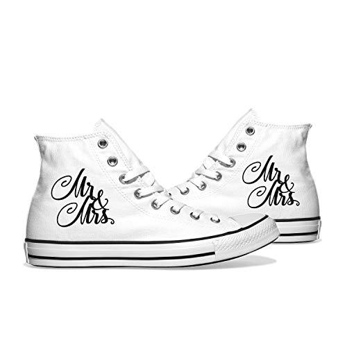 INKICKS - weißer Sneaker Bedruckt im schwarzem Mr. & Mrs. Design Gr. 42 I Hochzeitsgeschenk I Made in Germany I Für Damen & Herren I Individuelle Anfertigung nach Kundenbestellung