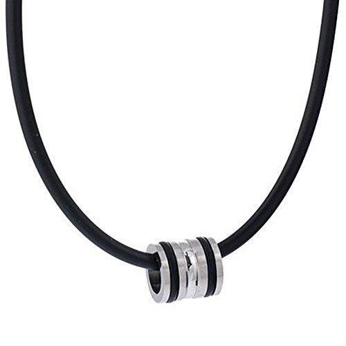 Kautschuk Halskette mit Edelstahl Anhänger und Kautschuk Ringen in einem schwarzen Samtbeutel