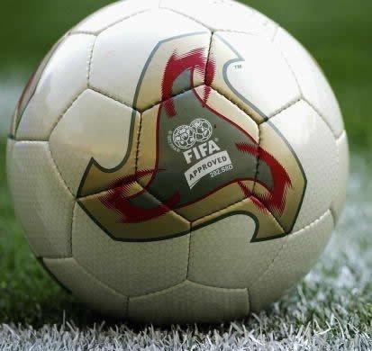 Original Matchball Adidas Fevernova. FIFA-WM 2002 Japan & Südkorea. OMB. Rarität*