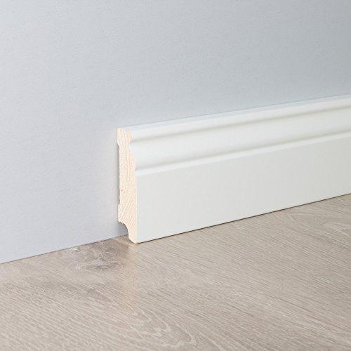 Sockelleiste Fußbodenleiste Altbau-Leiste Hamburger Profil in weiß lackiert aus unbehandeltem Kiefer-Massivholz 2400 x 19 x 70 mm (mit kleinem Kabelkanal) -