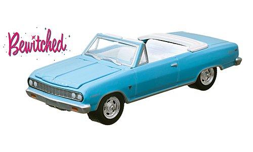 chevrolet-chevelle-malibu-light-blue-bewitched-verliebt-in-eine-hexe-1964-model-car-ready-made-green
