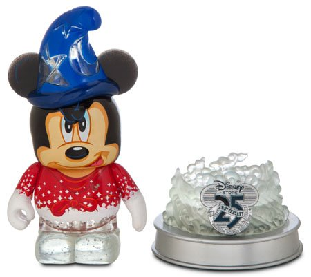Preisvergleich Produktbild NEW Disney Store 25th Anniversary Sorcerer Apprentice Mickey Mouse 3'' Figure and Light-Up Base by Disney Vinylmation