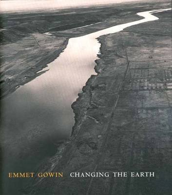 [(Emmet Gowin : Changing the Earth)] [By (author) Director Jock Reynolds] published on (July, 2002)