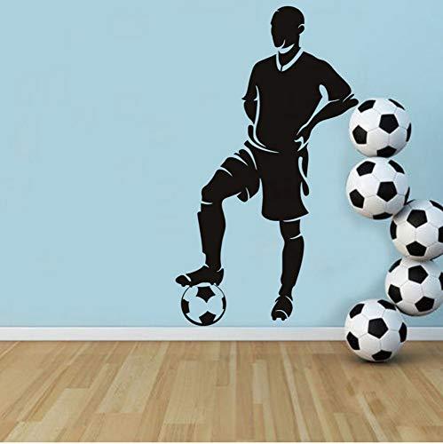 Spieler stand mit fuß auf ball wandaufkleber fußball wohnkultur kinderzimmer abnehmbare vinyl wandtattoo selbstklebende tapete 43x77 cm