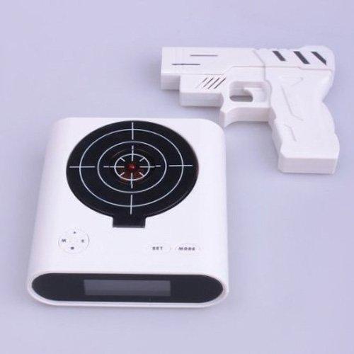 Wecker mit Laserpistole und Zielscheibe by ChannelGoods (Laser Target Electronic)