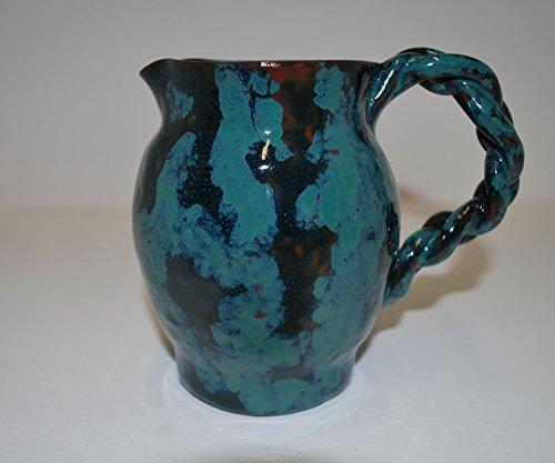pitchet-rustique-multicolore-marbree-de-couleur-bleue-verte-et-brune-avec-finition-brillante