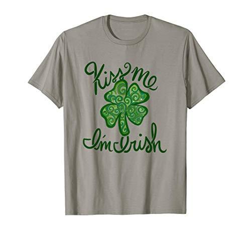 Kiss me I'm Irish Irish Girl Lucky Clover St. Patrick's day T-Shirt -