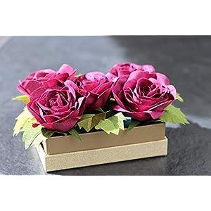 5 Rosen aus Krepppapier in Schmuck-Schachtel