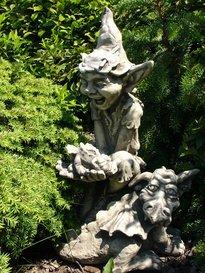 Gartentraum Garten Steinfigur mit Gnom – Dudley, Antikgrau