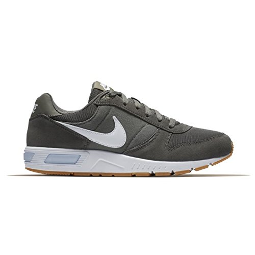 Nike Nightgazer, Baskets Homme