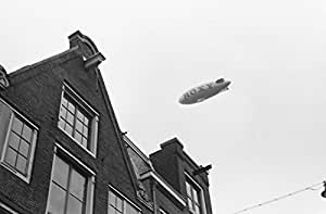POSTER A3 Nederland Reclame-zeppelin boven Amsterdam / Commercial zeppelin above Amsterdam 913-8226