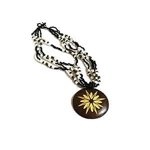 SUN D'KOH - Collier de perles noires médaillon bois gravé rond