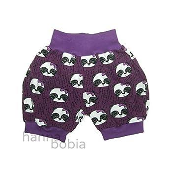 kurze Pumphose, Babyhose in Größe 74 aus Jersey mit Pandaköpfen auf lila mit lilafarbenen Bündchen, 95% Baumwolle, 5% Elasthan