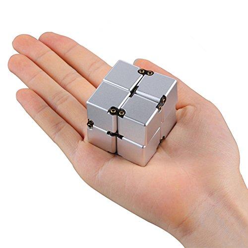 KENROLL Infinity Fidget Cube Juguete Sensorial (Aluminio) Puzzle Box Design | Anti-estrés y alivio de la ansiedad | Promueve el enfoque, claridad | Grande para el recorrido, hogar, oficina, escuela (Plata)