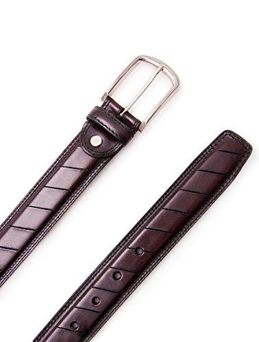 Authentique ceinture faite avec peau de vachette. Mesures: 100-110 -120 cm. Couleur brun. Brun
