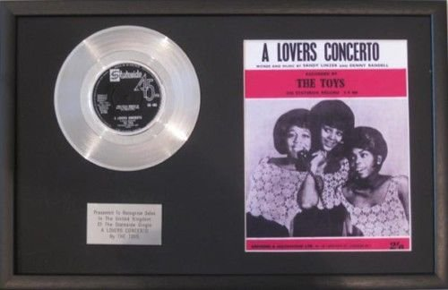 Toys-Platinum Disc & Lied Sheet-Lovers Concerto ()