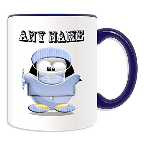 Personalisiertes Geschenk-Chirurg mit Skalpell Tasse (Pinguin in Kostüm Design Thema, Farbe Optionen)-alle Nachricht/Name auf Ihre einzigartige-Doctor Scrubs Uniform, keramik, blau