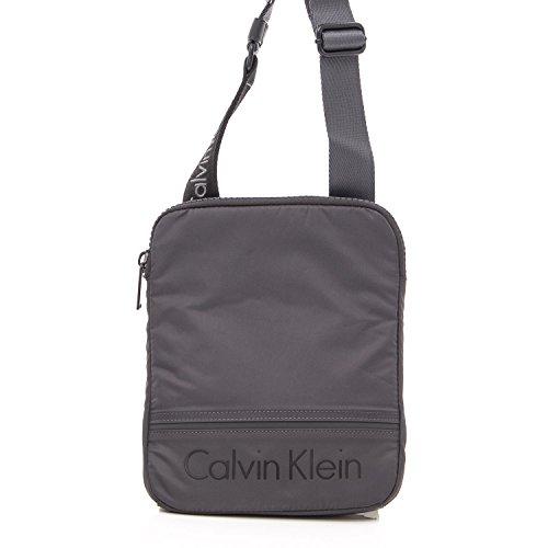 CALVIN KLEIN TASCHEN MANN MATTHEW FLAT K50K502881 Grau