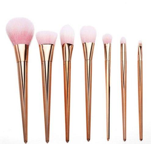 Or Rose Brosse de Or rose ovale Lot de brosse de maquillage – 7 pcs Lot de pinceaux de maquillage Cheveux synthétiques Pinceaux de maquillage Outil Cosmétique Fond de teint Brosse Kits – Lot de pinceaux de rose doré (Or rose)