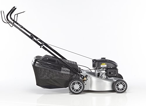 A fantastic lawn mower for a fair price, the Mountfield SP45 Petrol Rotary Lawnmower is one of the most efficient mowers on the market. Its powerful engine allows you to take on both medium and large gardens with little effort, and it's self-propelled.