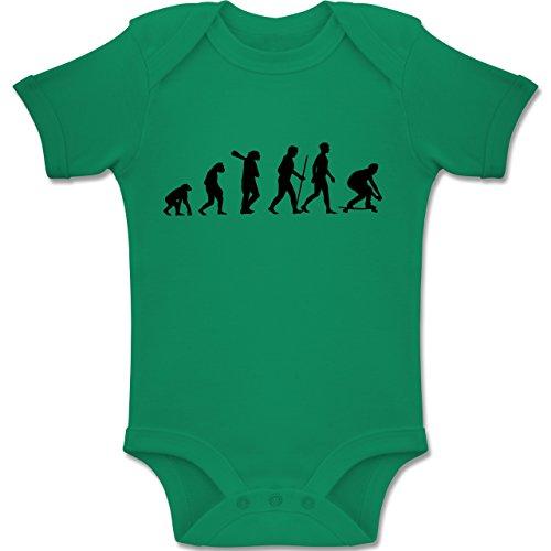 Skateboard-baby-kleidung (Shirtracer Evolution Baby - Skateboard Evolution - 12-18 Monate - Grün - BZ10 - Baby Body Kurzarm Jungen Mädchen)