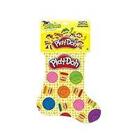 Calza della Befana a tema Play-Doh. La calza contiene i seguenti prodotti:- A6074 Stick Colorati- B5960 Personaggio della Città- B6756 2x Vasetti Multicolore