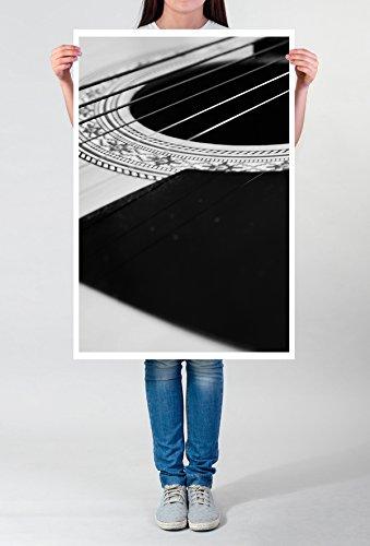 Best for home Artprints - Künstlerische Fotografie – Saiten ( Seiten ) einer Westerngitarre schwarz weiß- Fotodruck in gestochen scharfer Qualität