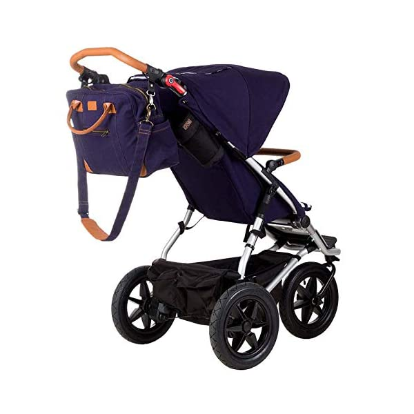 Mountain Buggy Model: Urban Jungle Luxury Collection Nautical Including Changing Bag and Baby seat (carrycot Plus) Mountain Buggy Box contents: 1 Mountain Buggy Urban Jungle Luxury Collection Nautical including changing bag and baby seat (carrycot plus) Product weight: 11.5 kg Seat load: 25 kg 2