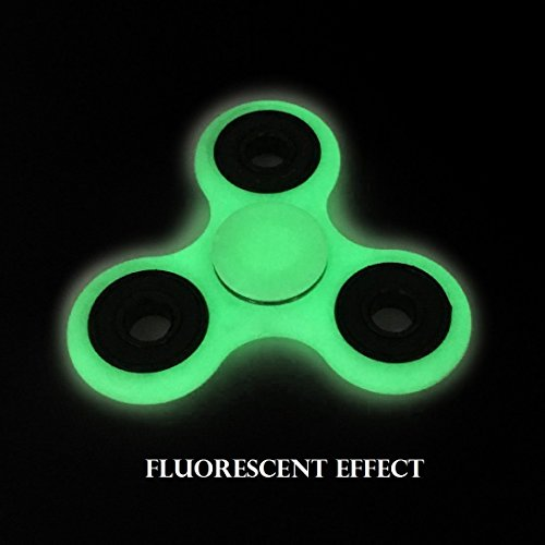 Tri Fidget Hand Spinner Toy,Stress Reducer Ultra Durable High Speed Bearing Fidget Finger Toy Can Continue to Rotate for 1-3 minutes – Perfect for ADD / ADHD / Anxiety / Autism And Stress Relief Adult Children,Office Desk Gadget (fluorescent-green)