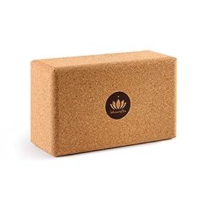 Lotuscrafts Yogablock Kork Supra Grip – ökologisch hergestellt – Yogaklotz aus 100% Naturkork – Korkblock für Yoga und Pilates – Yoga Block für Anfänger und Fortgeschrittene