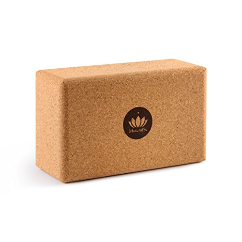 Lotuscrafts Yogablock Kork Supra Grip - ökologisch hergestellt - Yogaklotz aus 100% Naturkork - Korkblock für Yoga und Pilates - Yoga Block für Anfänger und Fortgeschrittene