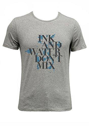 tolles Shirt, allerdings an den Schultern etwas kleiner als erwartet