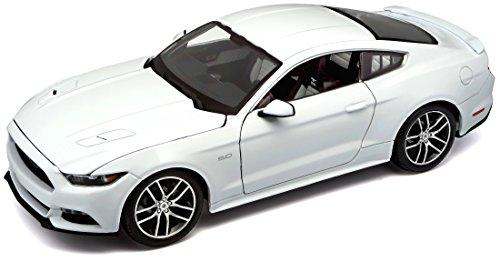 Maisto - Coche de Juguete Exclusive 2015 Mustang GT 50th Anniversary Edition, Escala 1/18, Color Blanco (38133)