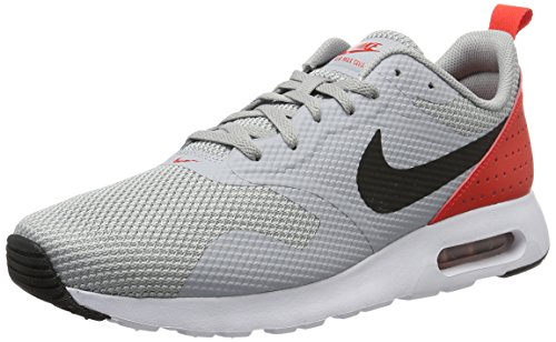Nike Air Max Tavas, Herren Laufschuhe, Grau (Wolf Grey/Black-Max Orange), 42.5 EU