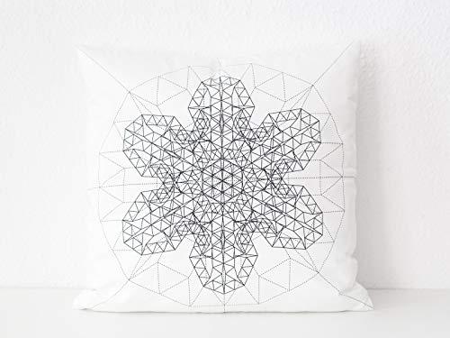 Geometrisches Kissen in weiß mit schwarzem floralem Druck - Kissenhülle mit Artdeco Motiv - schwarzweißes Sofakissen -