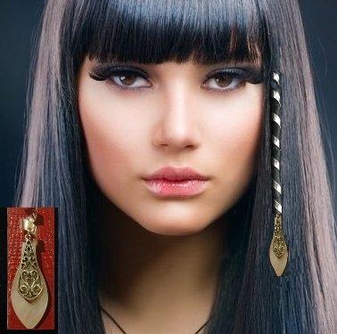 Extensions médiévales et celtique pour cheveux. SPIRALE POUR CHEVEUX. LONGUE SPIRALE PIERRE NACRE et DECORATION ARGENT.