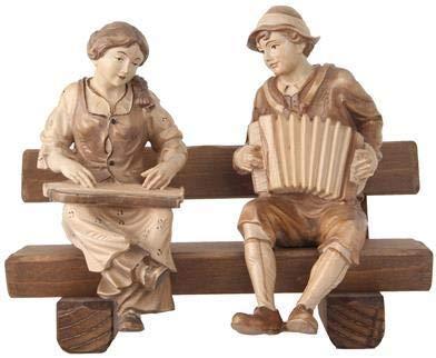 Holzschnitzerei Oswald Amort Zither- und Ziehharmonikaspieler sitzend auf Bank | 12 cm hoch | 3-tönig Gebeizt