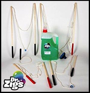 Kit Dr. Zigs–Fantastische Stiel Lernspielzeug–Beinhaltet 1L-C5= 5Liter Liter Lösung mit Giant, Multi, und Mini Multi Blase Zauberstab. Für Big Bubble Zauberstab, nicht Standard Seife Mischung, spezielle GIANT BUBBLE Garantie Mix, 100Prozent Sicher CE-gekennzeichnet... (Mini-strand Bälle In Bulk)