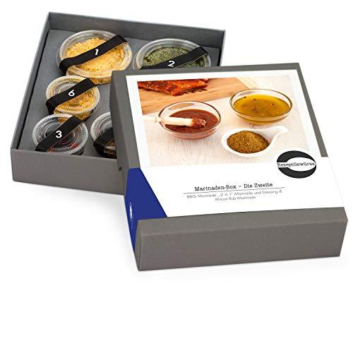"""Gewürze Geschenkset """"Marinaden-Box"""" - Gewürzbox zum selbst Kochen als Geschenk - inkl. Rezept für Rotwein Marinade, Tandoori Marinade und BBQ Marinade - mit exotischen und BIO Gewürzen"""