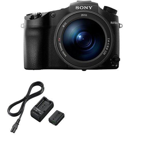 Sony DSC-RX10M3 + Sony ACCTRW.CEE Akku Kit mit BCTRW Ladegerät und NPFW50 W-Serie Li-Akku Sony Bridge-kameras Digital