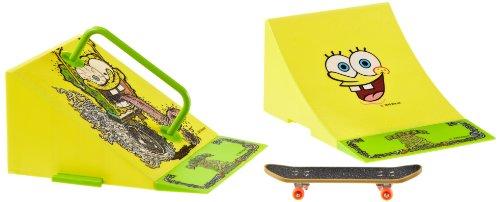 Simba 109498478 - Mini Skate Park de Bob Esponja (incluye patín mini, combinables y de diferentes colores) [importado de Alemania]