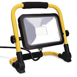 kwmobile LED Baustrahler 20W 2000 Lumen - 3m Netzkabel 6500K IP65 - Baulampe Flutlicht Strahler tragbar - Baustellenlampe Scheinwerfer innen außen
