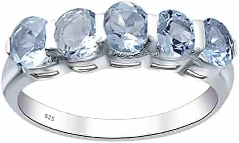 DV Jewels Feminine and Elegant Ring with a White Topaz Gemstone