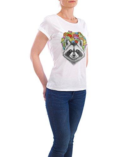 """Design T-Shirt Frauen Earth Positive """"raccoon with a bouquet"""" - stylisches Shirt Tiere Natur Essen & Trinken von Nikita Korenkov Weiß"""
