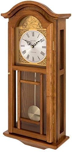 Este reloj de pared de péndulo está hecho de madera dura y producido por los artesanos. El reloj de calidad viene con carillones de Westminster y la noche automática apagado, asegurando una buena noche de sueño.