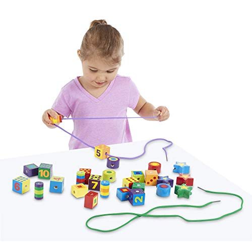 Melissa & Doug Wooden Lacing Beads in a Box (Developmental Toys, Easy to Assemble, 27 Beads and 2 Laces, 24.511 cm H × 19.177 cm W × 3.683 cm L)