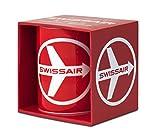 Airlines - Swissair - Fly There By Swissair Porzellan Tasse - Kaffeebecher - rot - Lizenziertes Originaldesign - LOGOSHIRT
